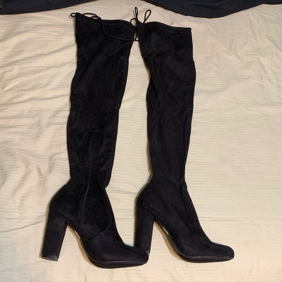 Lulu's Shoes - High boots that zipper and adjust at top!